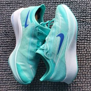 New women's Nike Zoom fly 3
